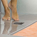 Comment transformer une baignoire en douche à l'italienne ?