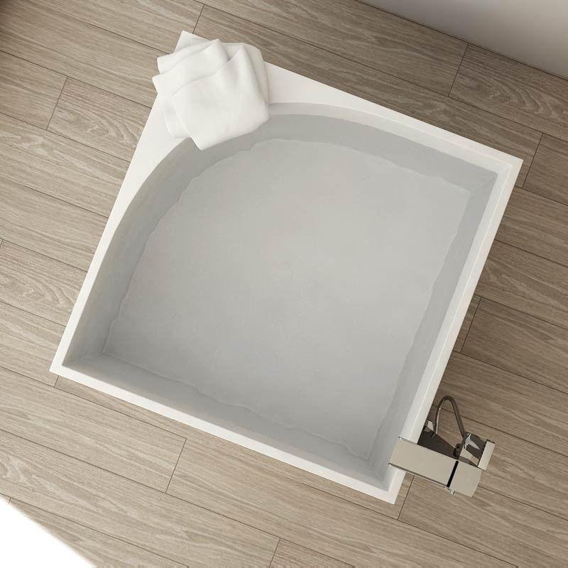 Baignoire ilot carr e 105x105 cm mat riau composite mineral for Salle de bain minerale