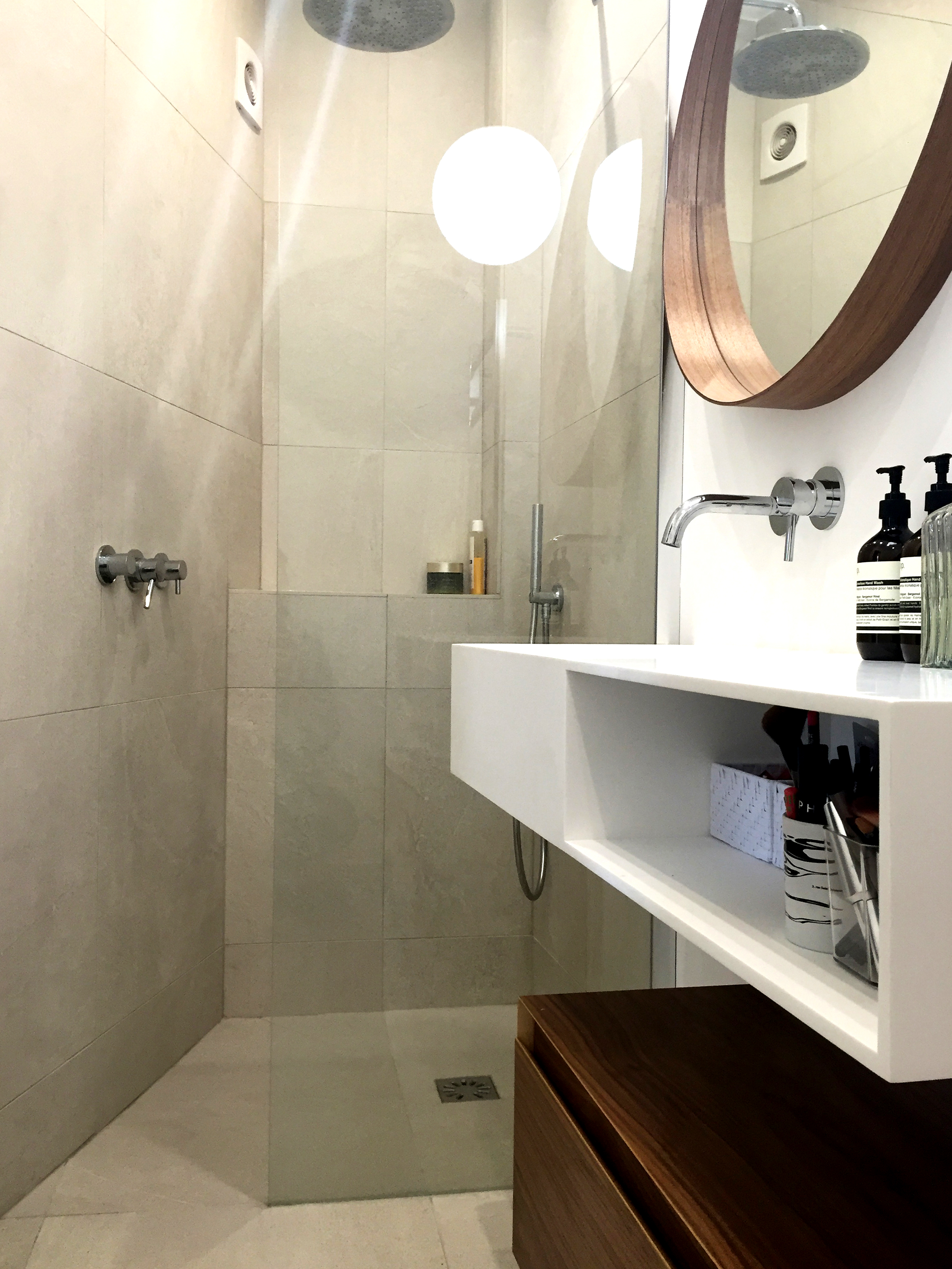 Amenagement Petite Salle De Bain Wc aménager une salle de bain dans un studio | petite salle de bain