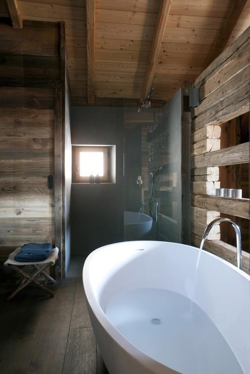 Emejing salle de bain chalet de montagne photos for Ma salle de bain design