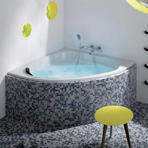 baignoire angle baln o. Black Bedroom Furniture Sets. Home Design Ideas
